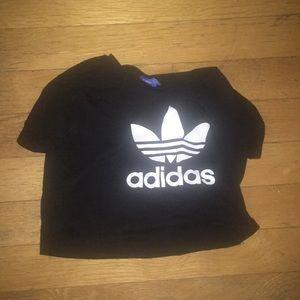 Cropped adidas t-shirt